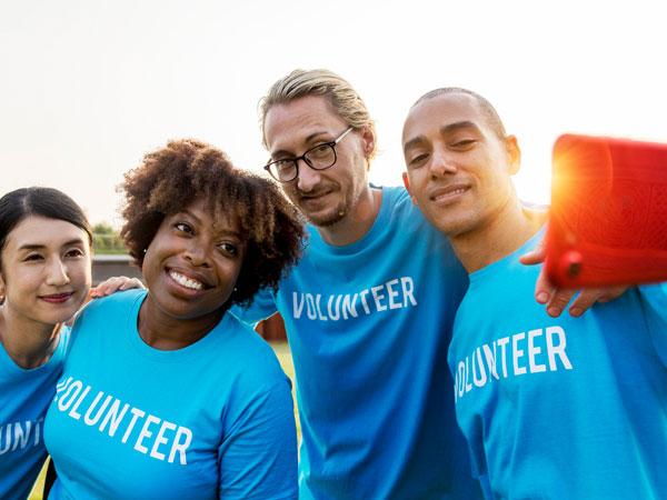 Volunteers001
